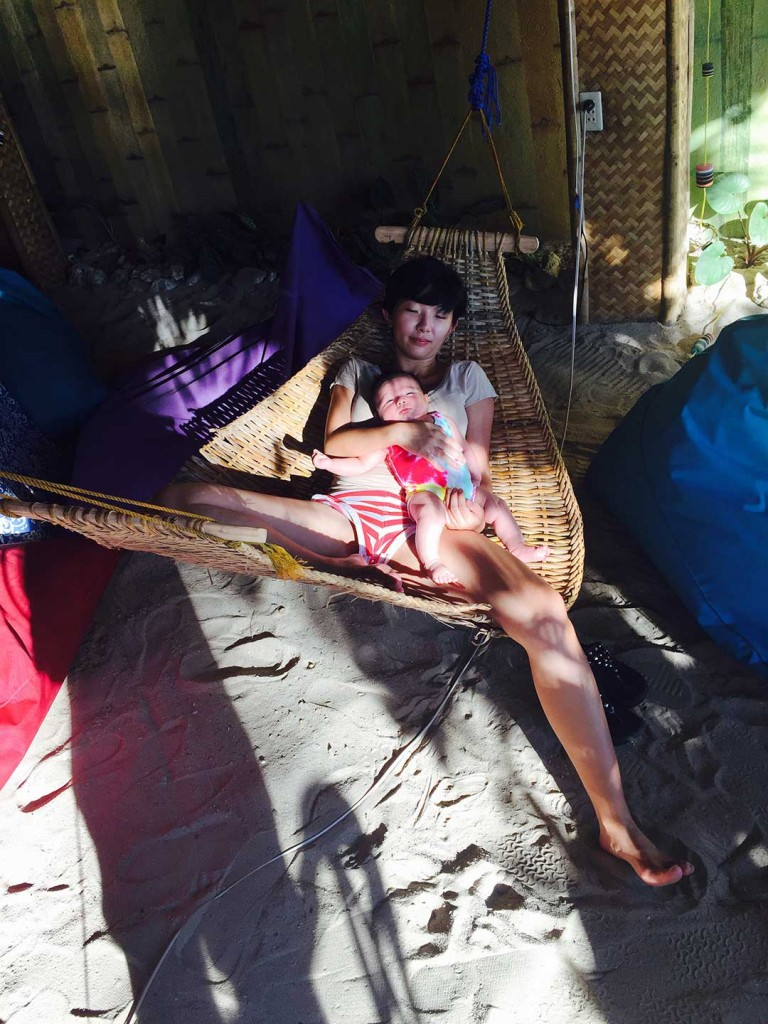 Hammocking-baby-to-sleep