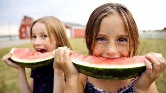 girls-eating-watermelon2