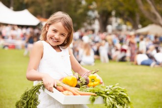 7 Things You Can Teach Your Kids at a Farmer's Market